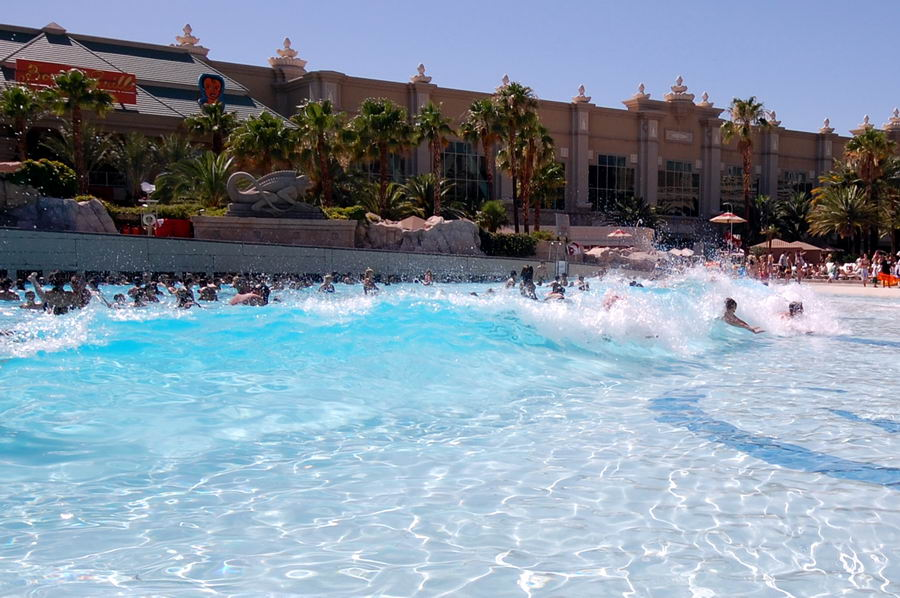Ultimate Taxi 3d Wave Pool At Mandalay Bay Photos By