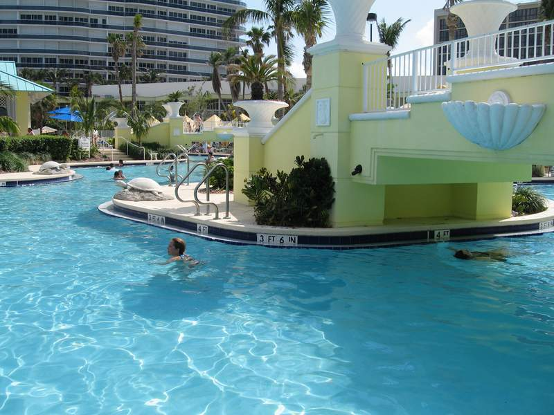 Sheraton Miami Beach Pool Area Photo Ultimate Travel And Vacation