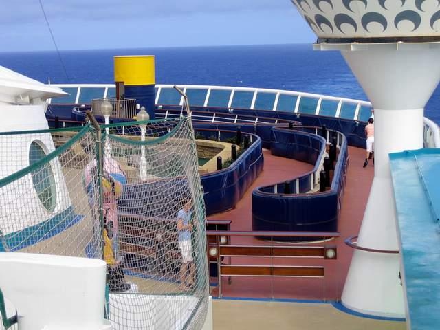 InLine Skating Track On Royal Caribbean Explorer Of The Seas - Track royal caribbean cruise ships