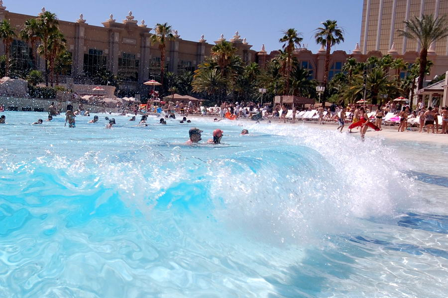 Wave Pool Wave At Mandalay Bay Resort Las Vegas Photos